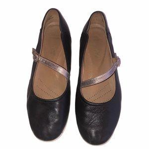 Clarks Soft Cushion Black Mary Jane Shoes Size 7.5
